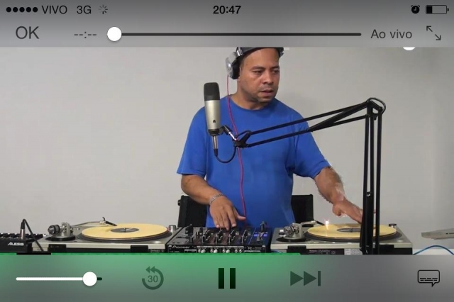 No Cel. Tablet ou Pc Mr.Groove Radio Show